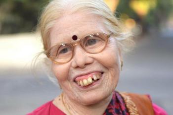 インドの女性.png